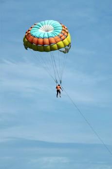 parasailing-164521_1280